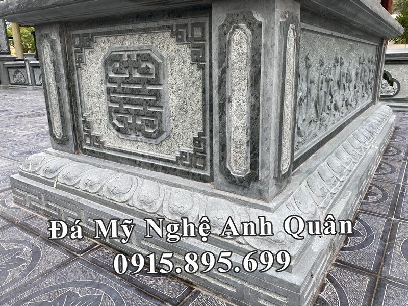 Hoa van phia truoc ngoi mo da chon cat 1 lan